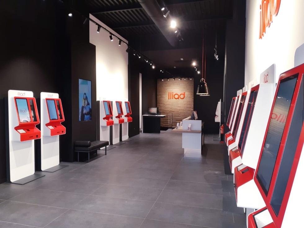Interni nuovo store Iliad Milano