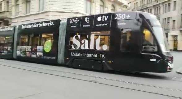 Pubblicità Salt su tram