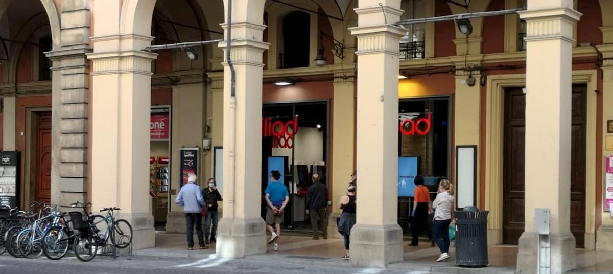 iliad store Bologna