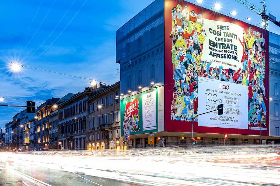 Affissione Milano iliad